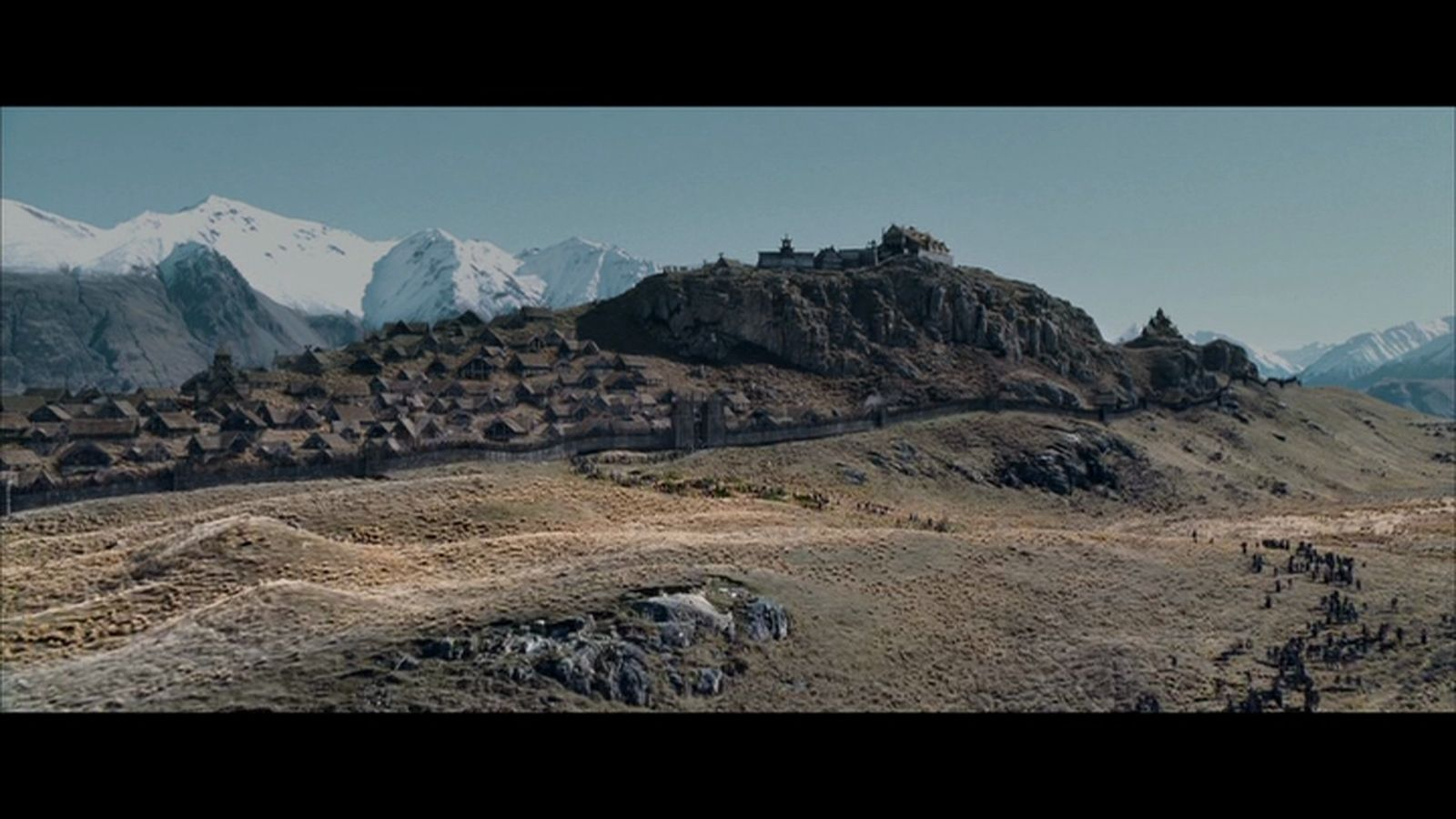 hill fort of Edoras in Rohan - The Lord of the rings - The ...