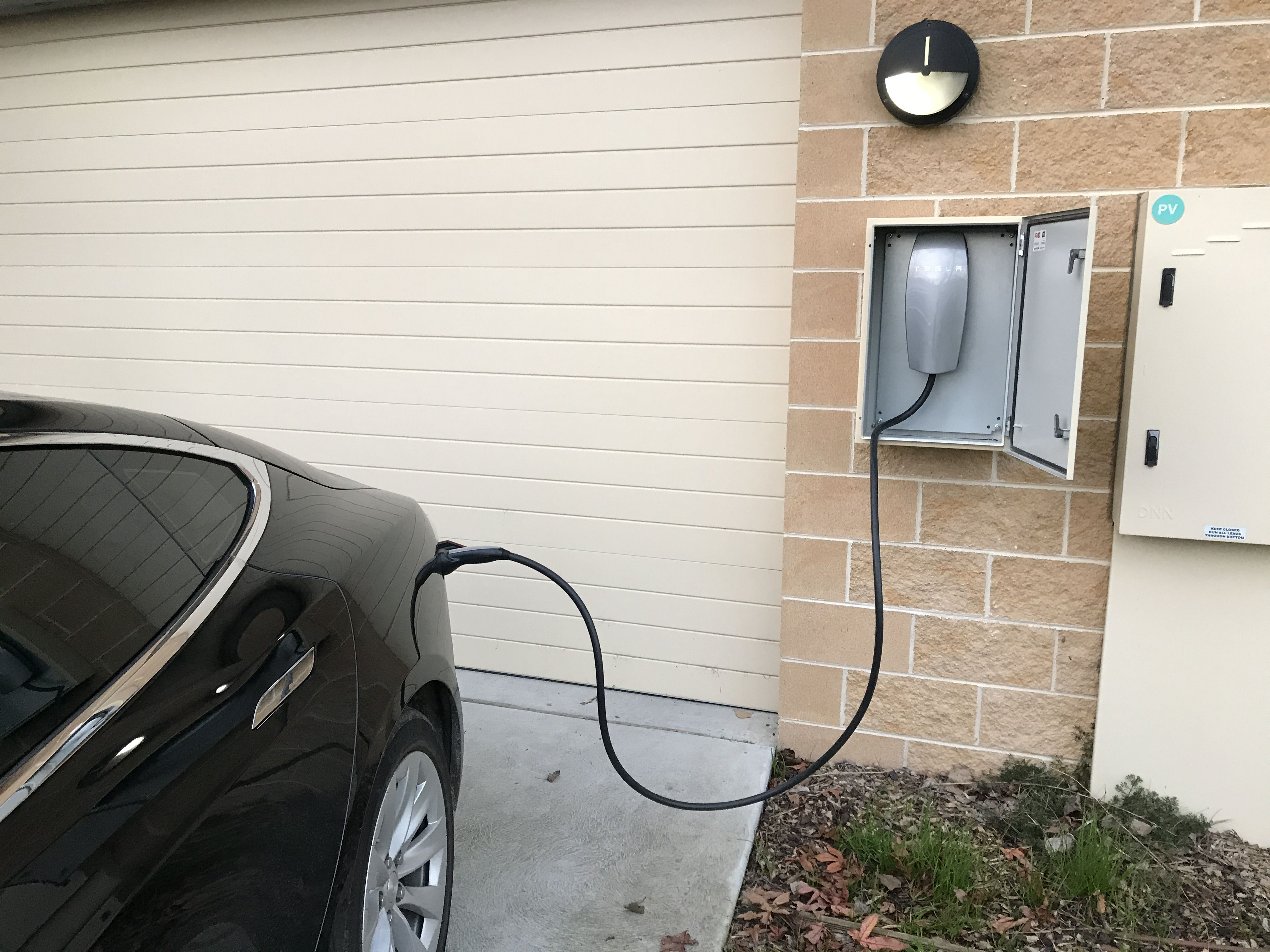 How To Charge Electric Car Guide Tesla Model X Tesla Model S Car Construction Tesla Model X Tesla Model Tesla Model S