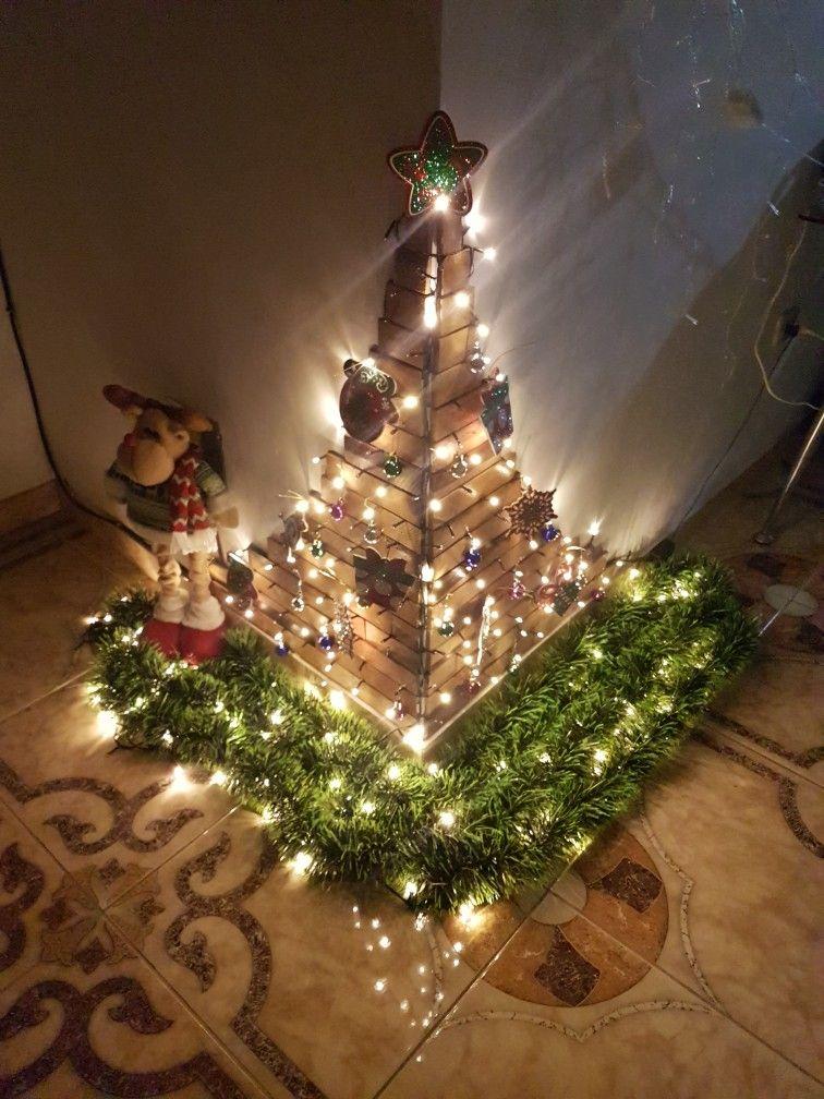 f989ab7610b Árbol de Navidad con madera marquet