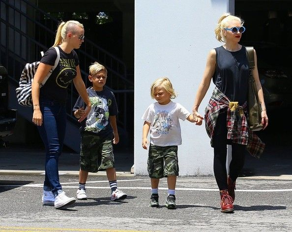 Gwen Stefani takes her boys Kingston and Zuma shopping at the mall