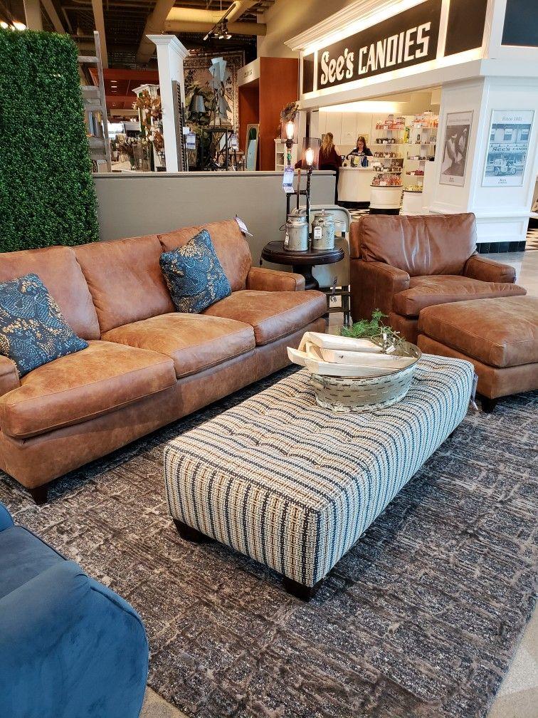 Leather Couch At Nebraska Furniture Mart Modern Bedroom