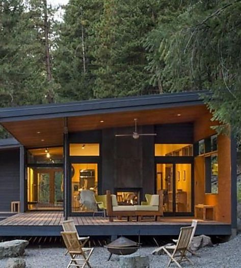 5 Affordable Modern Prefab Houses You Can Buy Right Now Small Modern Cabin Modern Prefab Homes Affordable Prefab Homes