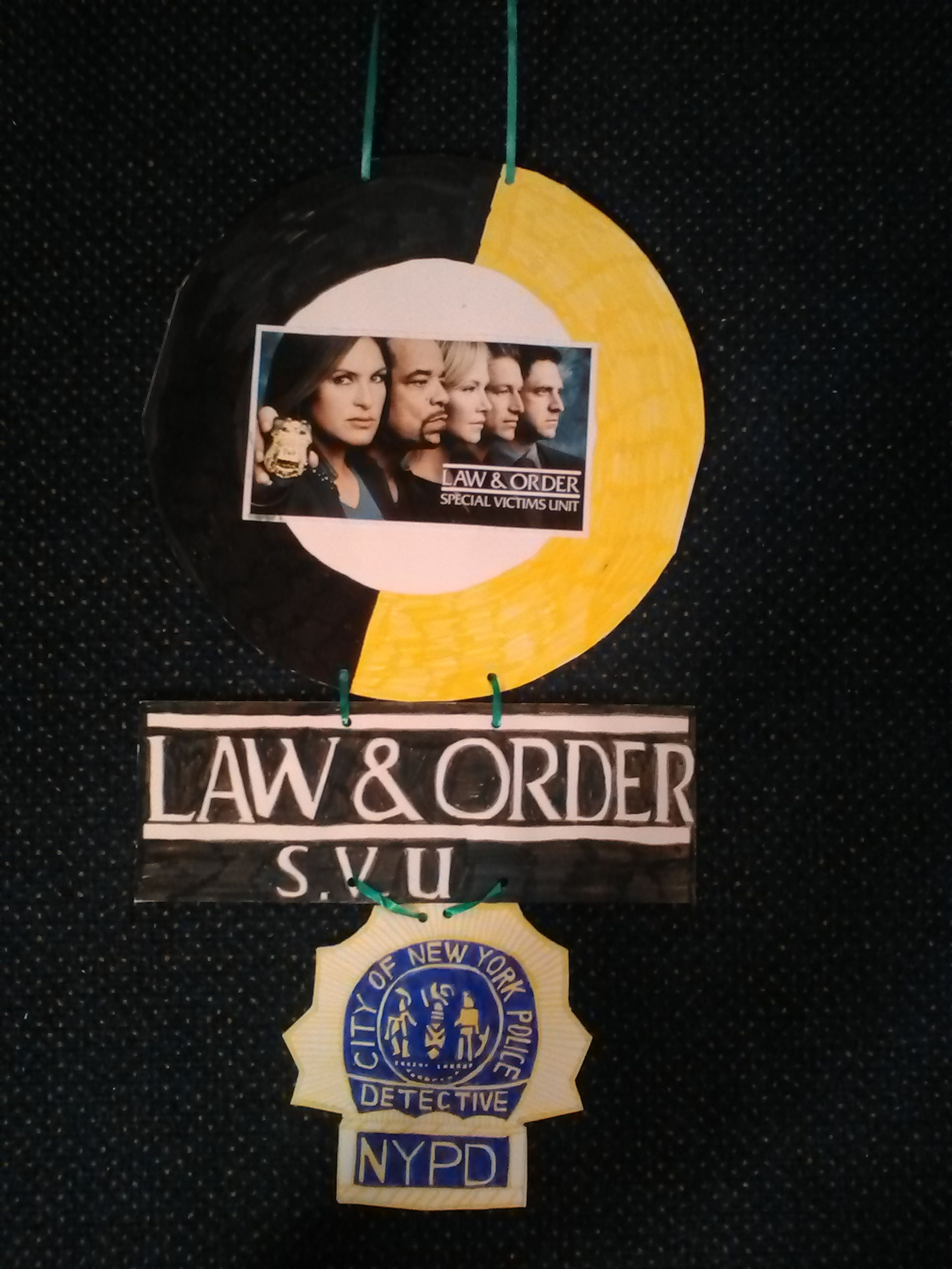 Law /& Order Special Victims Unit TEAM Photo Licensed Adult Sweatshirt Hoodie