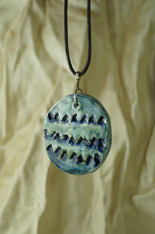 Dije en cerámica esmaltada, inspirada en montañas azules del occidente de mexico de vitrumkaleidos en Etsy