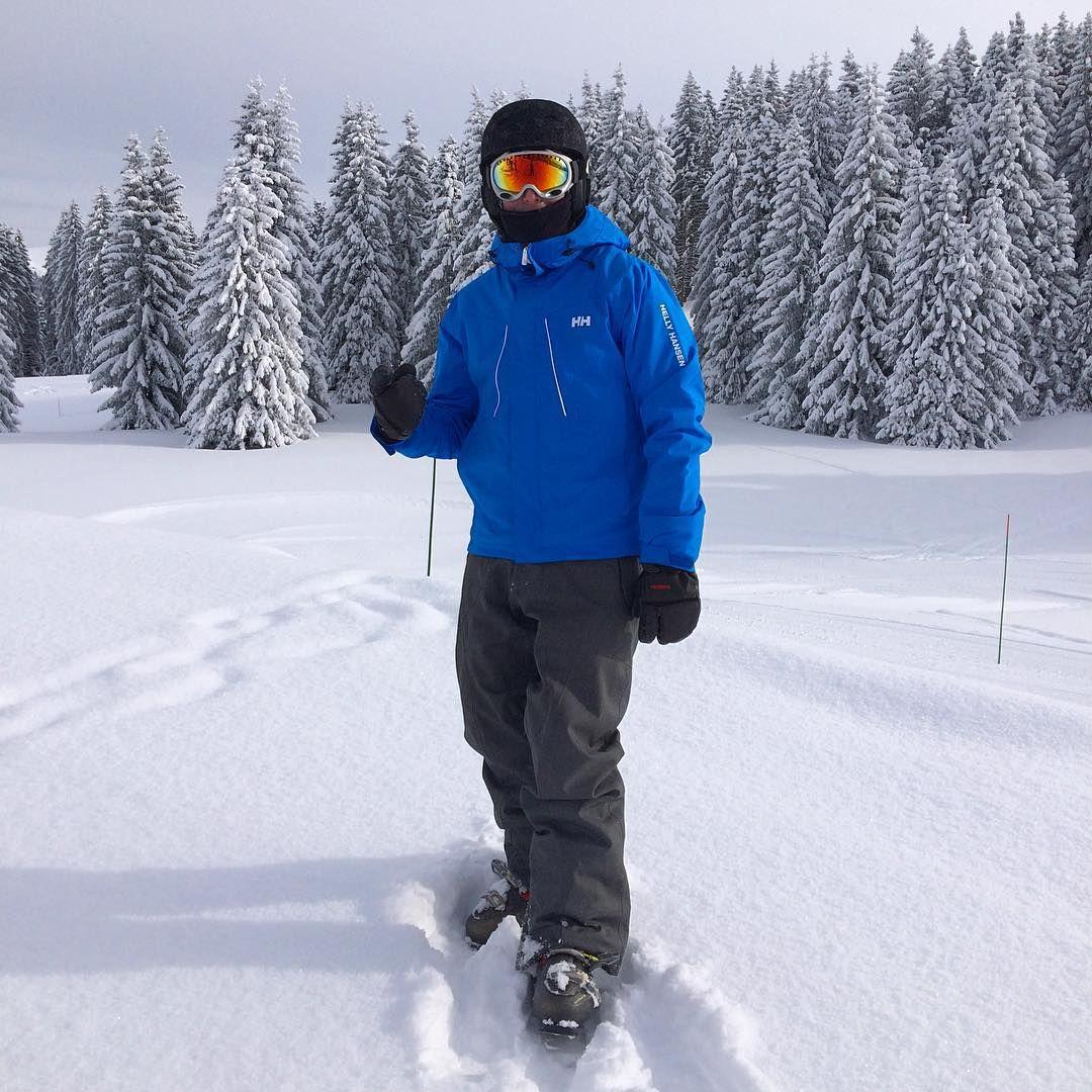 artxueta Postureo alpino. #alps #hellyhansen #crestvoland #espacediamant #powder #atomicski