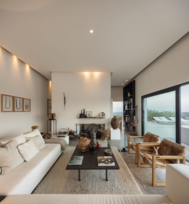 S jour avec mobilier collect es au portugal inspiration - La maison tempo au bresil par gisele taranto ...