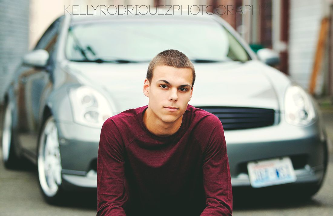 Senior portraits Puyallup Photographer , senior photography, boy men pose with car