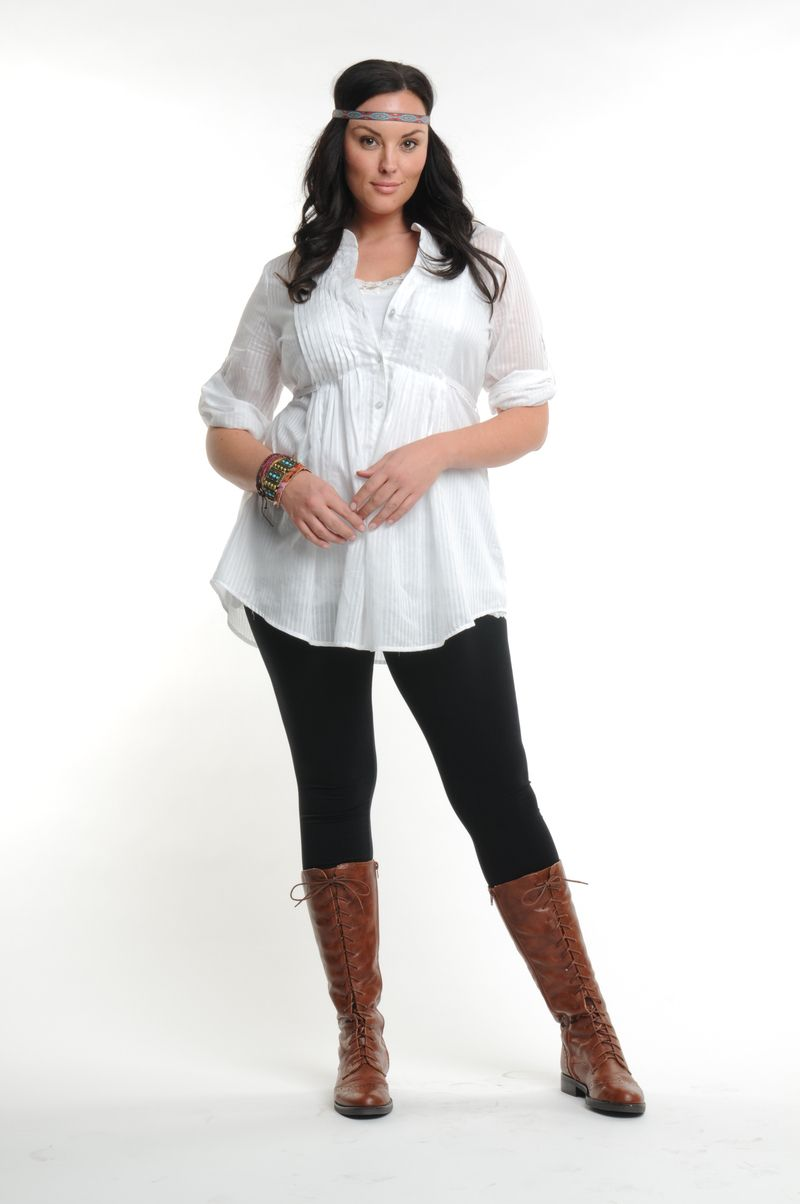 a8cc984604b22 how larger size women should wear leggings | Plus Size Clothing for Women:  Workplace Essentials to Stock Up On