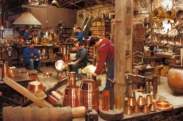 Atelier du cuivre villedieu les po les para tomar en - Office du tourisme villedieu les poeles ...