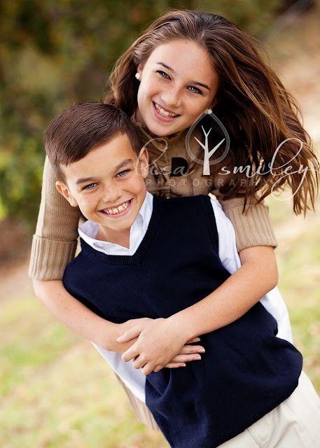 Sibling Poses Wwwlisasmileyphotographycom  Lisa Smiley Photography 2011  Sibling Photography -6937