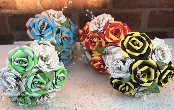 Book Page bridesmaid boquets. Paper flowers, paper roses, colours or just book pages #weddingbridesmaidbouquets