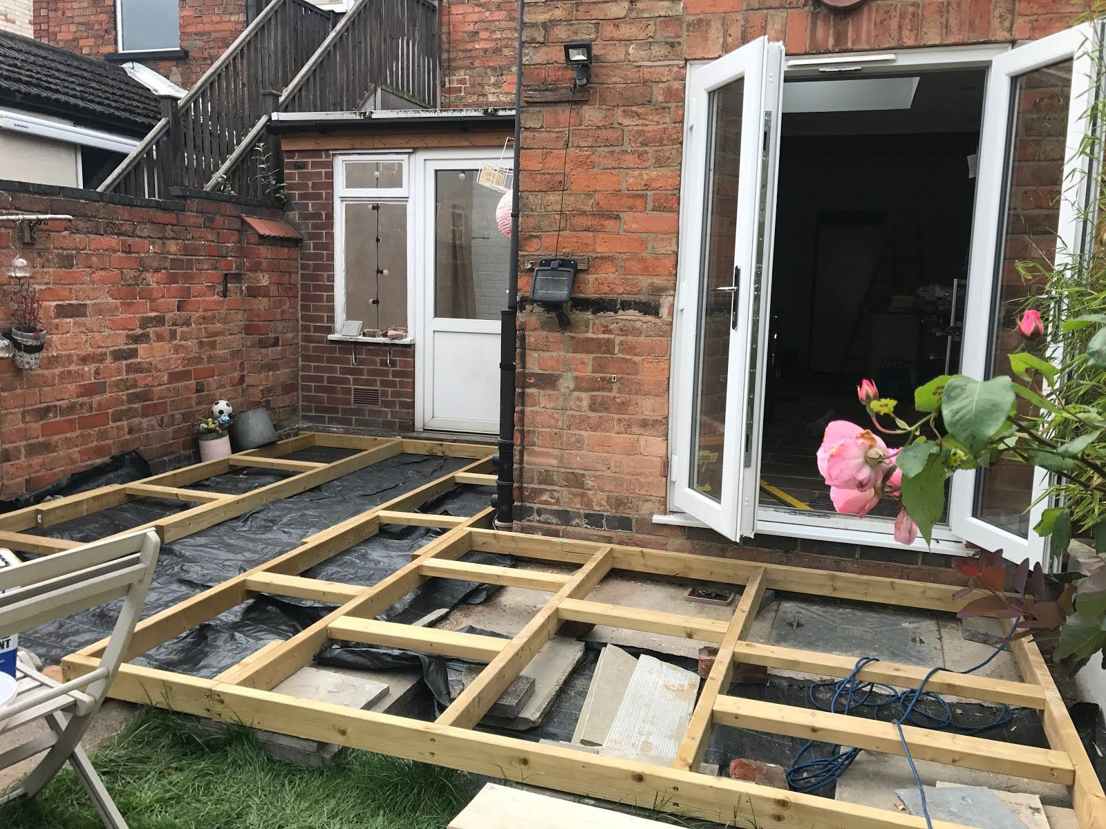 how to build decking steps uk