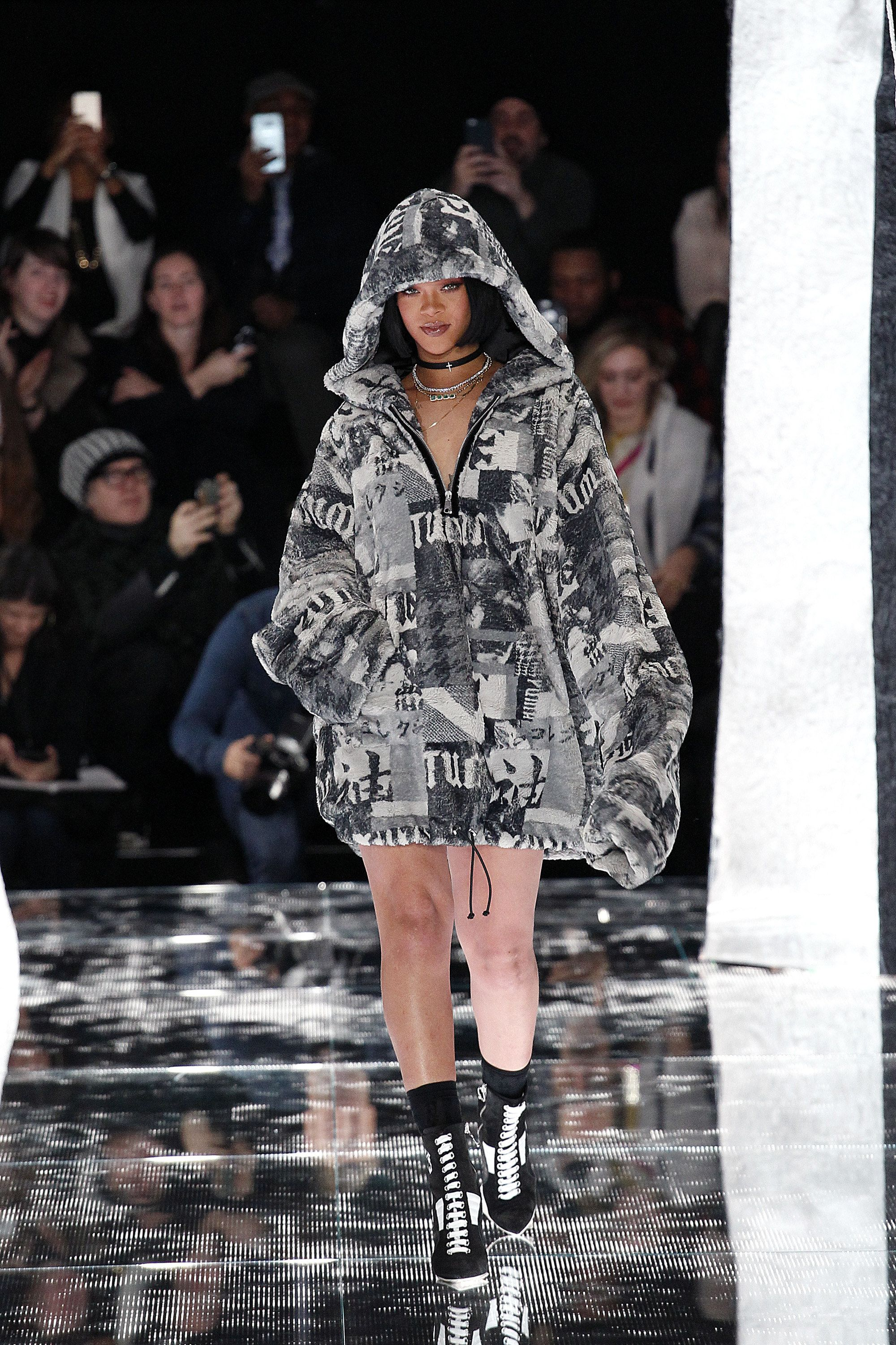 Fenty x Puma Fall 2016 Ready to Wear Fashion Show | Moda