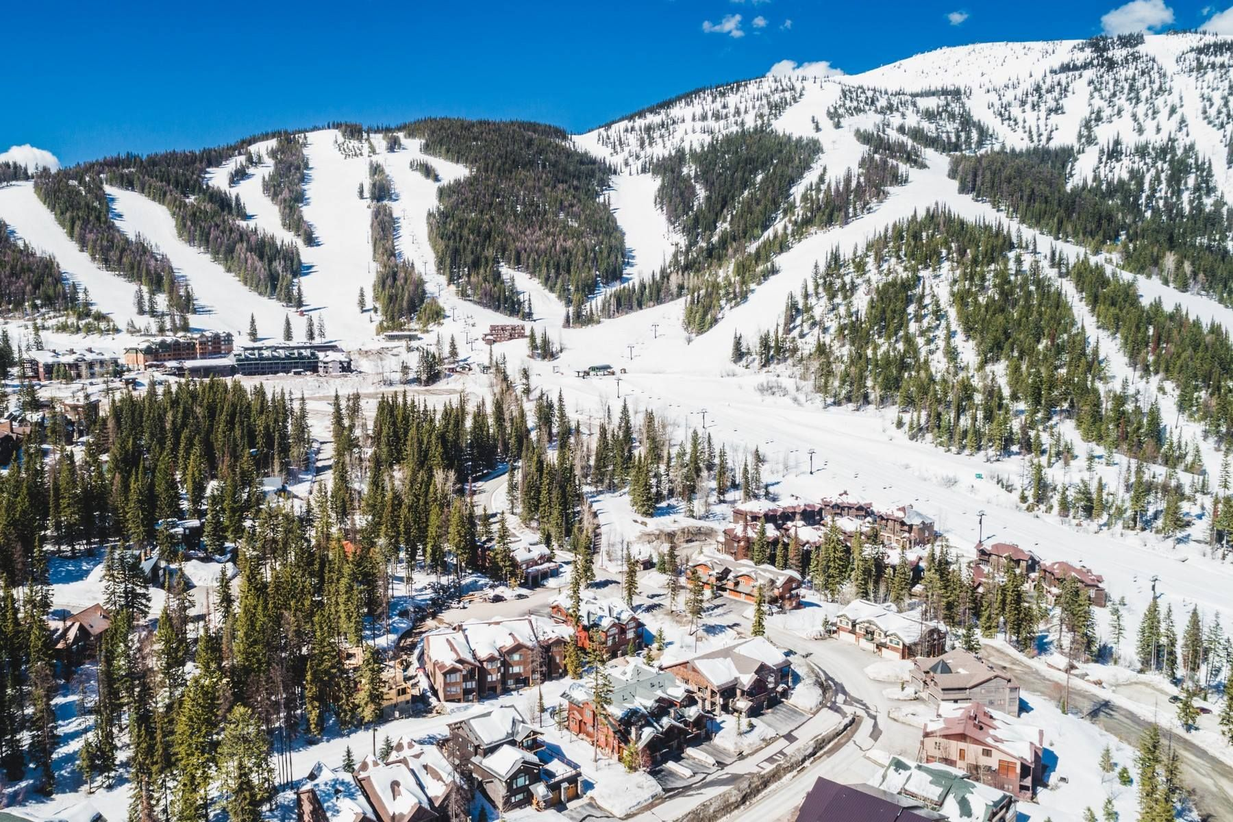 whitefish mountain resort end unit of a 4-plex with direct ski