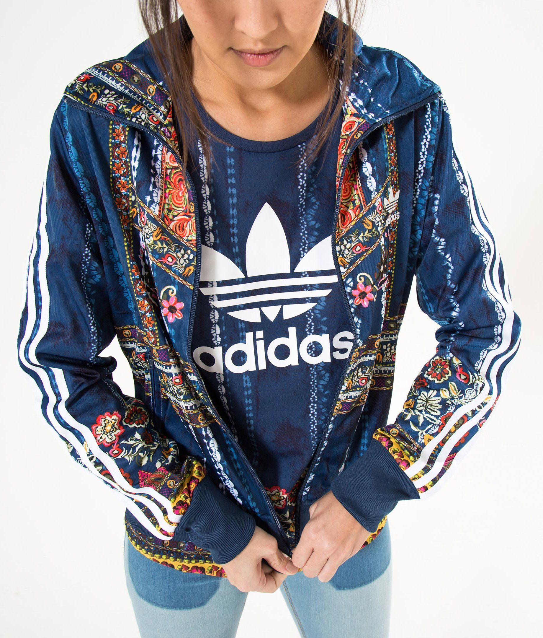 sports shoes 7a91f b58c6 Pin by Gabriella Cocchioni on style   Adidas jacket outfit, Adidas outfit,  Adidas jacket