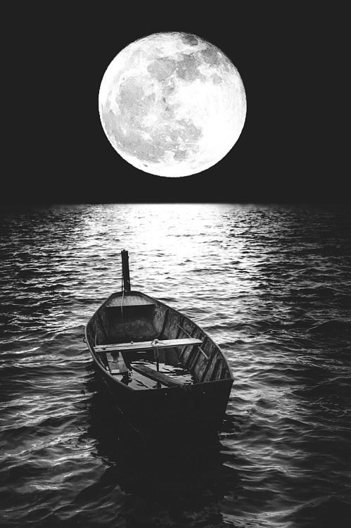 Moon Now You Are A Mother But Who Made You A Woman Is Not There Tell Me Silver Moon How Will You Photographie De La Lune Image Lune Art A
