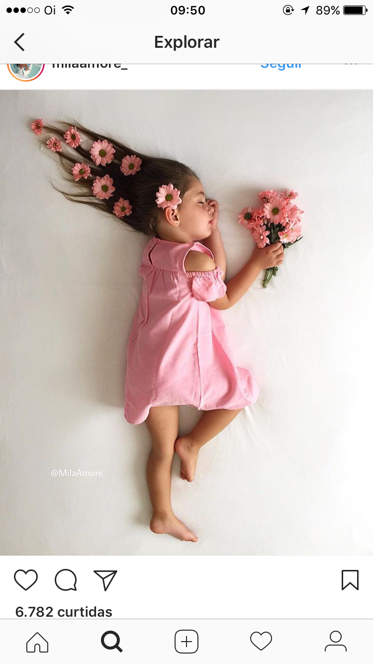 Flowers In The Wind With Images Toddler Photoshoot Baby Photoshoot Baby Girl Photography