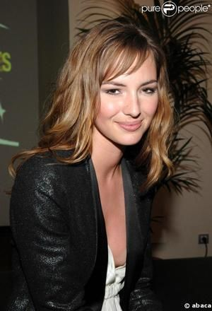 louise bourgoin height weight