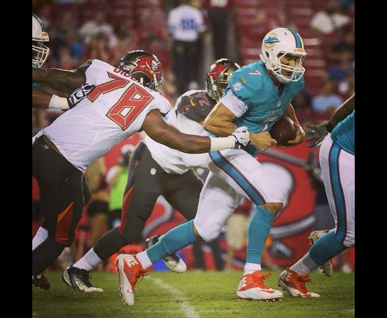Bucs vs. Dolphins 2014 (With images) Nfl preseason, New
