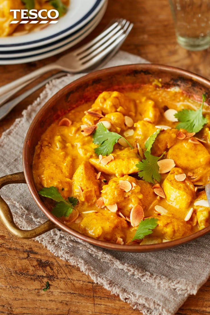 With Our Clic En Korma Recipe You Can Enjoy Your Favourite Indian Takeaway At Home This Easy Curry Has Tender In A Mild