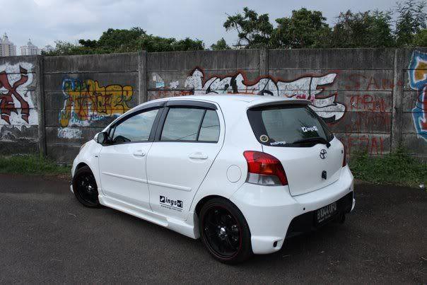 Just White Yaris Toyota Yaris Forums Ultimate Yaris Enthusiast