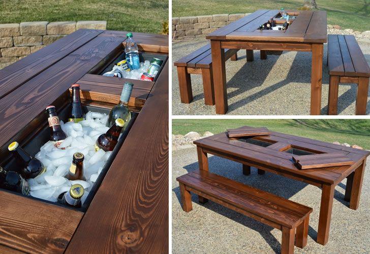 Mesa para patio con hielera para colocar botellas ideas for Muebles de madera para patio