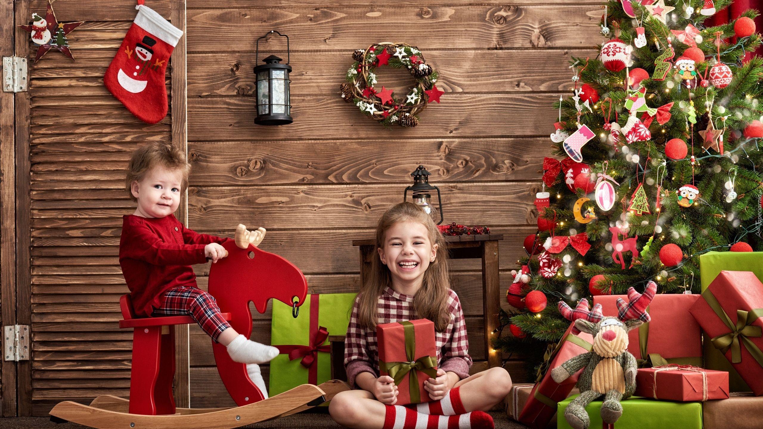 Dzieci Choinka Prezenty Boże Narodzenie Tapety
