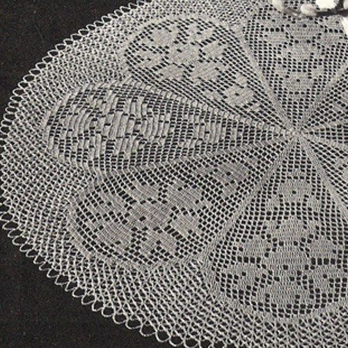 filet crochet | Bouquet of Roses Filet Crochet Doily PDF Pattern ...