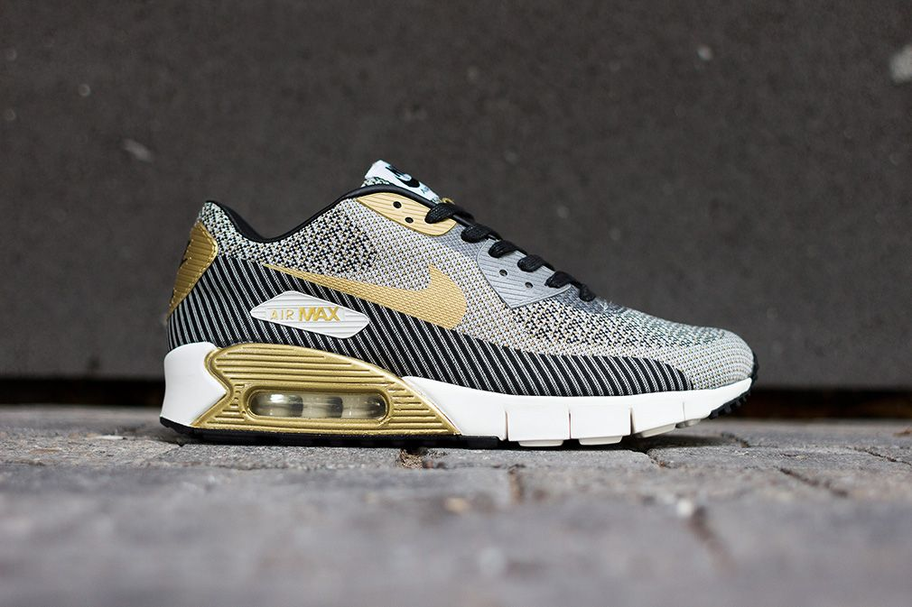 LOOKING FOR THIS NIKE AIR MAX 90 JACQUARD GOLD HYPERVENOM