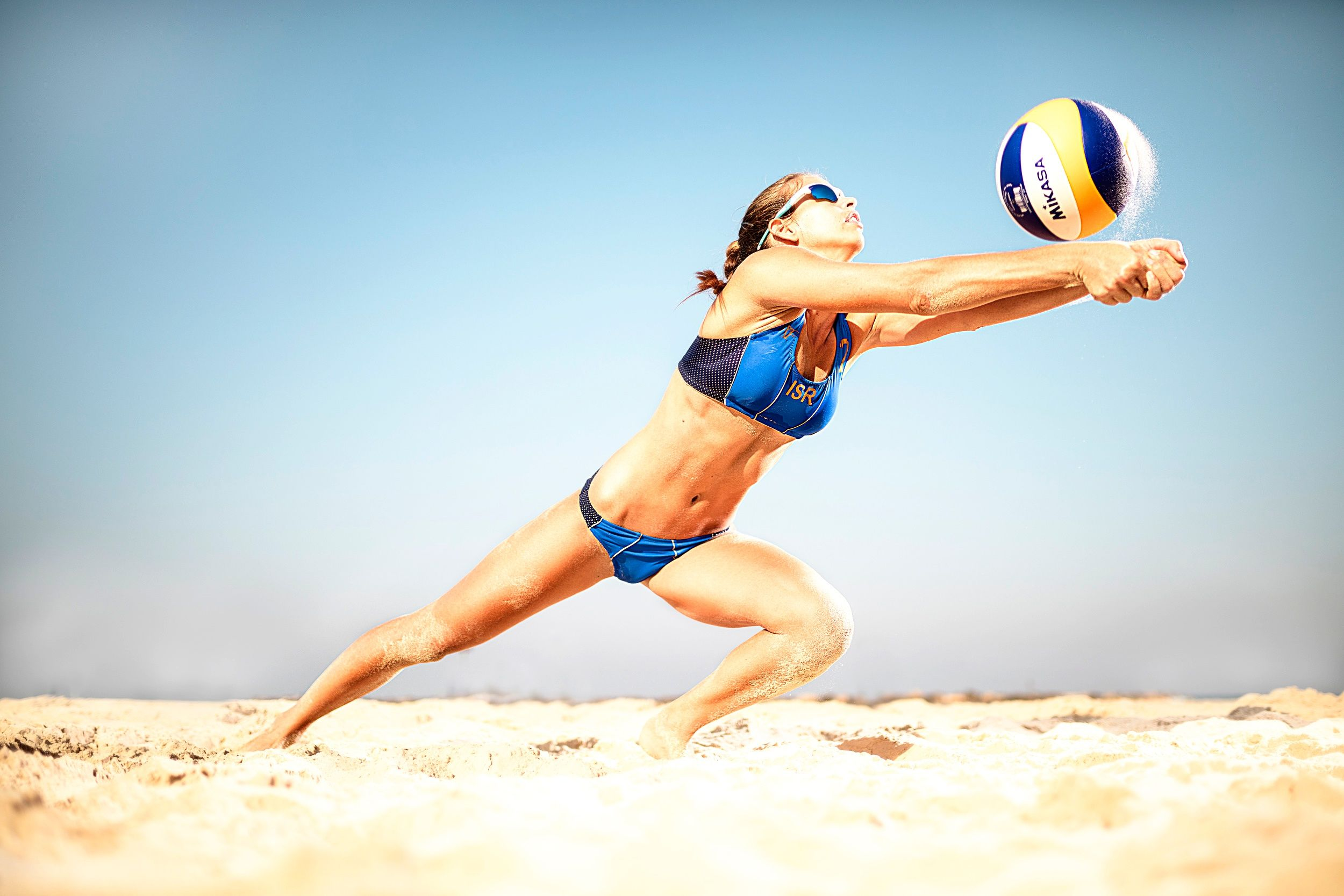 Pin By Cali Orchards Hard Sparkling W On Www Caliorchards Com Sports Illustrated Swimsuit Hot Beach Volleyball Volleyball