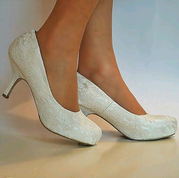 These Ear To Have A Deeper Toe Box Than Most Much More Comfortable New Las Wedding Bridal Low Mid Kitten Heel Ivory Fl Lace Court Shoes Size