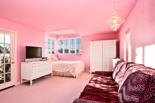 Pink Room I Want That To Be My Bedroom And Add Pastel Blue Curtains Hot Pink Bedrooms Girl Room Inspiration Pink Bedroom Design