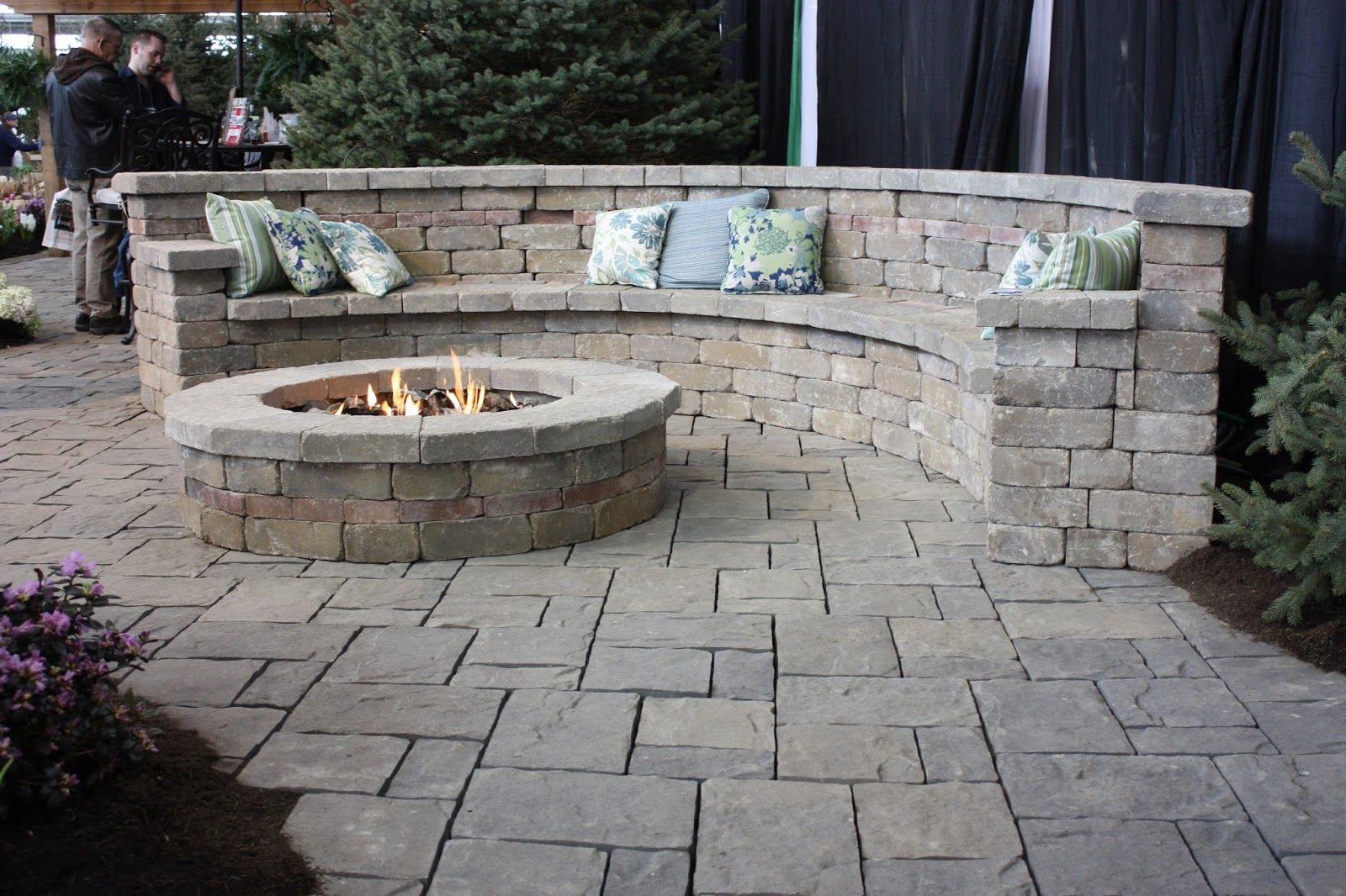 For A Small Patio Fire Pit With Curved Brick Seating Cozy Outdoor Fire Pit Designs Outdoor Fire Pit Patio