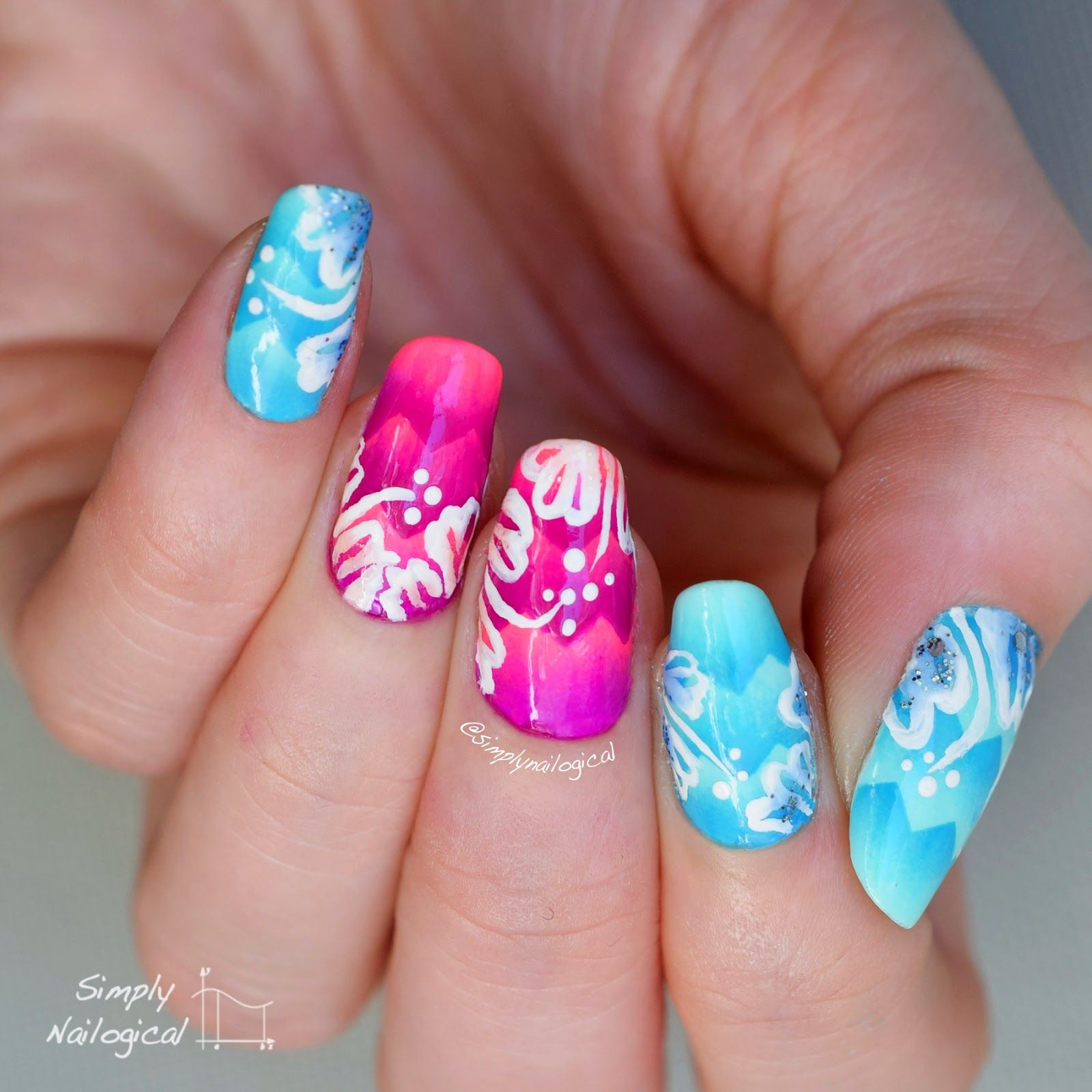 Manicure Hawaiian Themed