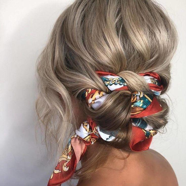 Bac Eight Hairstyle Specialite Chignon Avec Foulard Coiffure Number One De L Et Bac8 Chignonavecfoulardcoiffurenum Coiffures Mignonnes Coiffure Cheveux