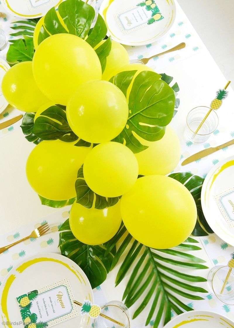 DIY Balloon U0026 Fronds Tropical Party Centerpiece Part 94