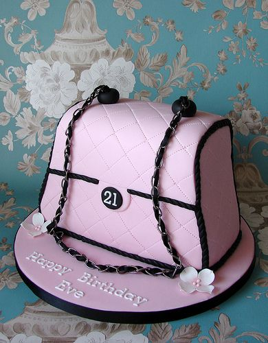 Handbag Cake for Eve's 21st Birthday in 2019 | Fun and simple for me ...