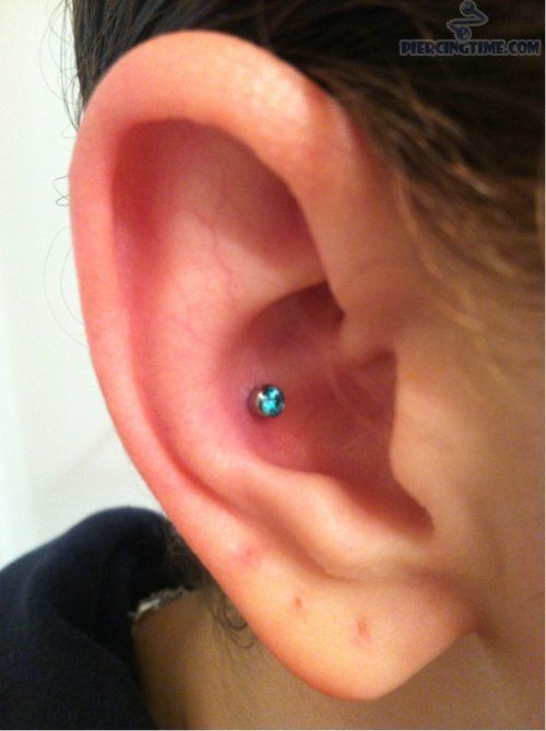 conch piercing with tiny labret stud piercings pinterest labret studs labret and conch. Black Bedroom Furniture Sets. Home Design Ideas