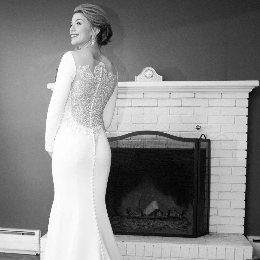 Wedding dresses style crepe long sleeved wedding dress with