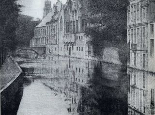 1905 A Canal In Bruges (pannello di sinistra per il trittico D'Autrefois) Fernand Khnopff