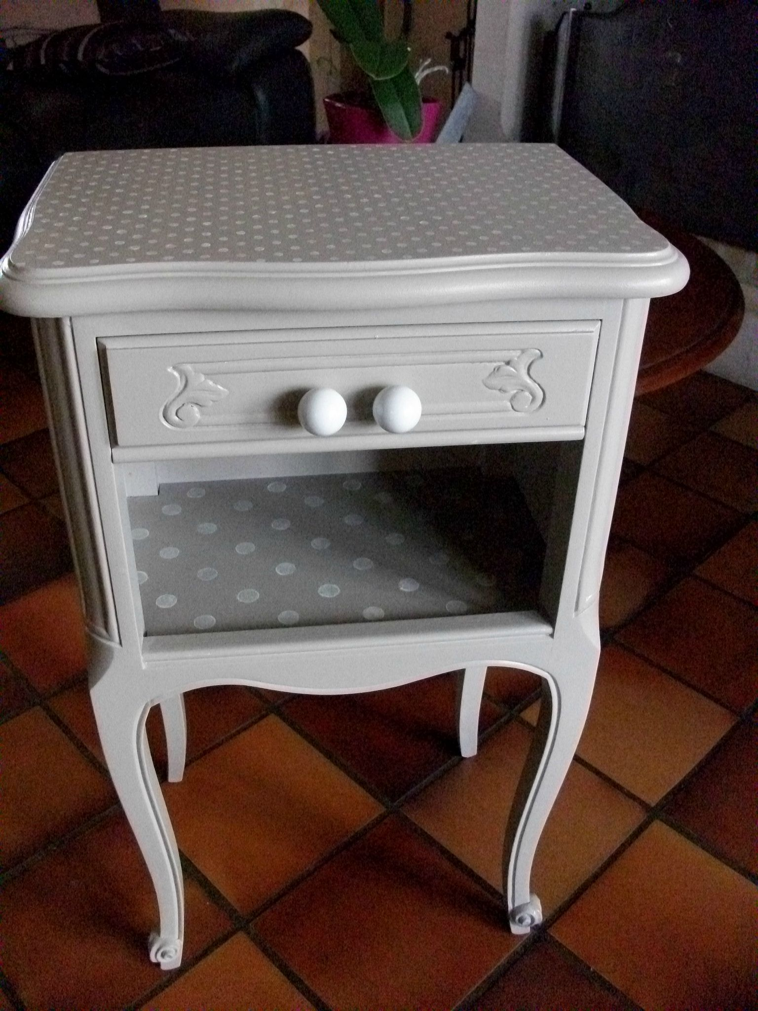 Table de nuit apr s 2 pinteres for Table de nuit enfant