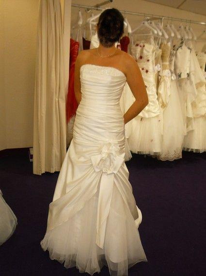 Robe de mariée neuve réf. CADES 42 IVOIRE & crinoline Bali    Taille 42  Tour de poitrine 90B  Coloris IVOIRE  Jamais portée