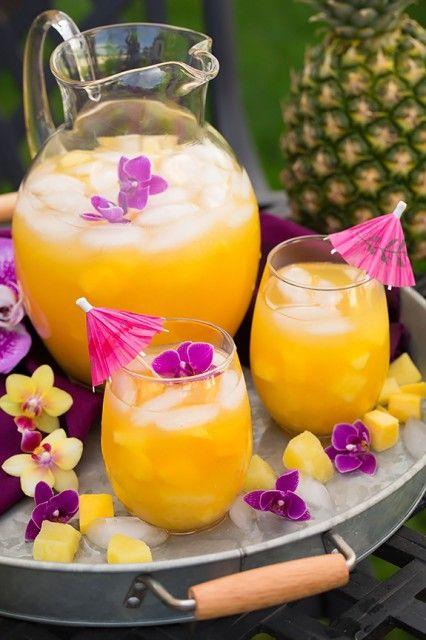 Pineapple Mango Lemonade - such a refreshing summer drink!! Love this tropical twist on lemonade!