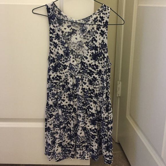 Aerie floral tank Aerie blue/white floral tank. Really cute fit and comfy. aerie Tops Tank Tops