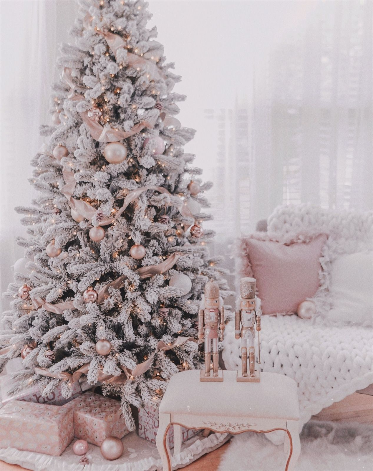 Couture Rose Gold Blush Christmas Tree Decoration Details