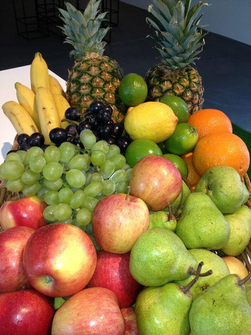 Viel frisches Obst und Gemuese kommt bei Luca Dotta taeglich auf den Teller (Bild: Katrin Roth).