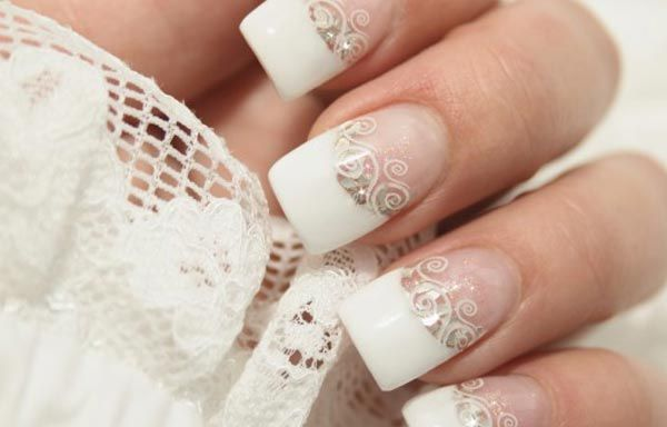 French Manicure Is Always In Uñas Decoradas Color Blanco Blancas Francesas Clic Y Síguenos Colordeuñas Colornails Uñasvistosas