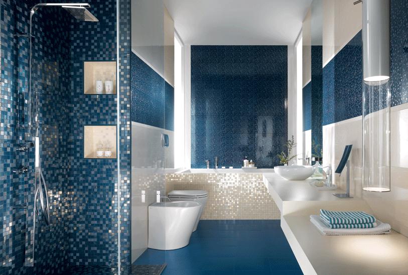 Rivestimenti in mosaico blu e bianchi che lusso therapy home