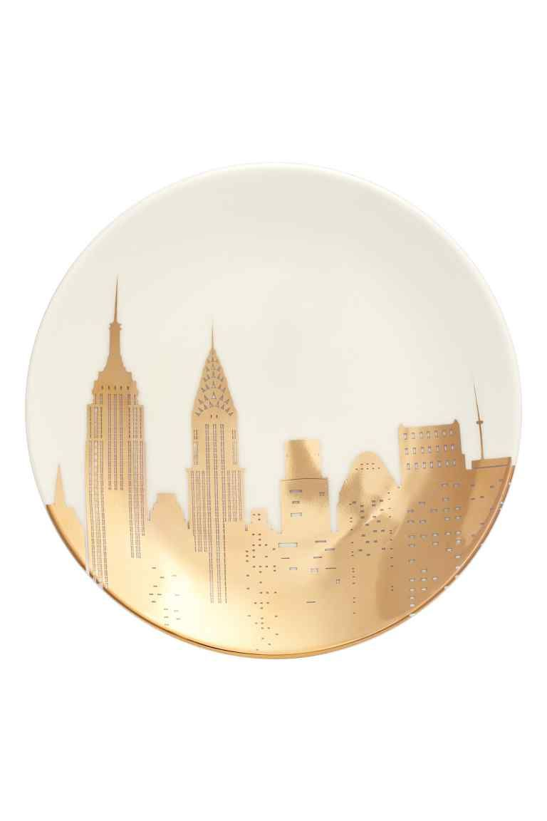 Plate with a metallic print   H&M