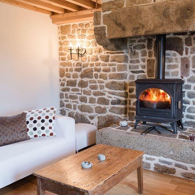 Vakantiehuis Le Pommier, woonkamer met houtkachel Holiday